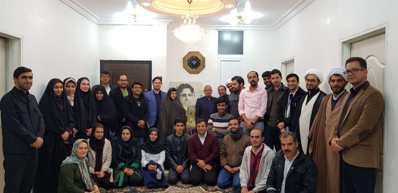دیدار گروه جهادی پزشکی ایقان با خانواده شهید دکتر داریوش رضایی نژاد